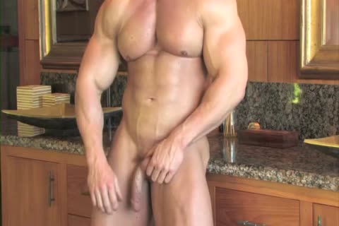 Zeb Atlas Has enormous Muscles To Show