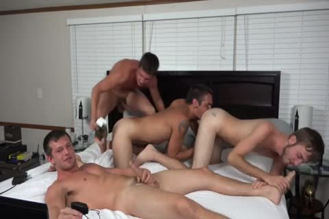 A couple AND TWO friends pounding ON cam