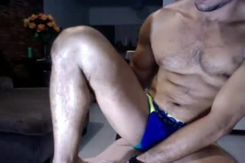 Male cam Show out of Showing Face