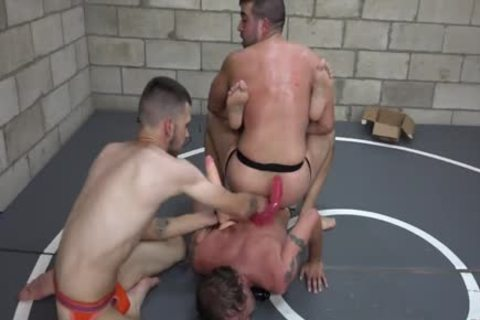 sex-dildo Wrestling