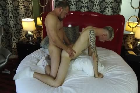 Robert Rexton gets drilled By Muscle Daddies Max Sargent & Chance Caldwell