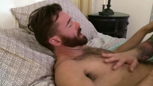 Icon Male - Muscled Hugh Hunter loves huge penis daddy